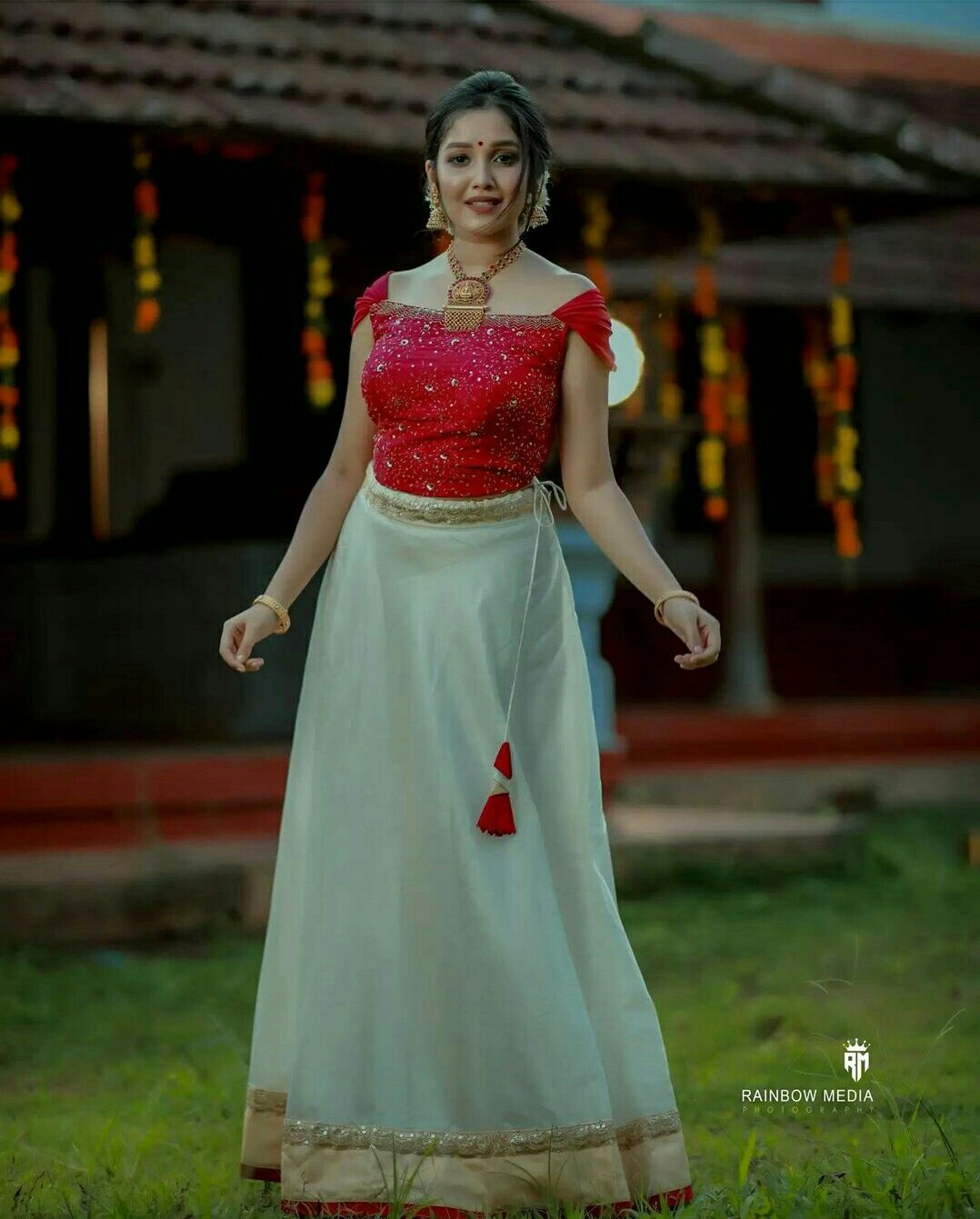 Actress  Anikha Surendran Onam celebration photos1