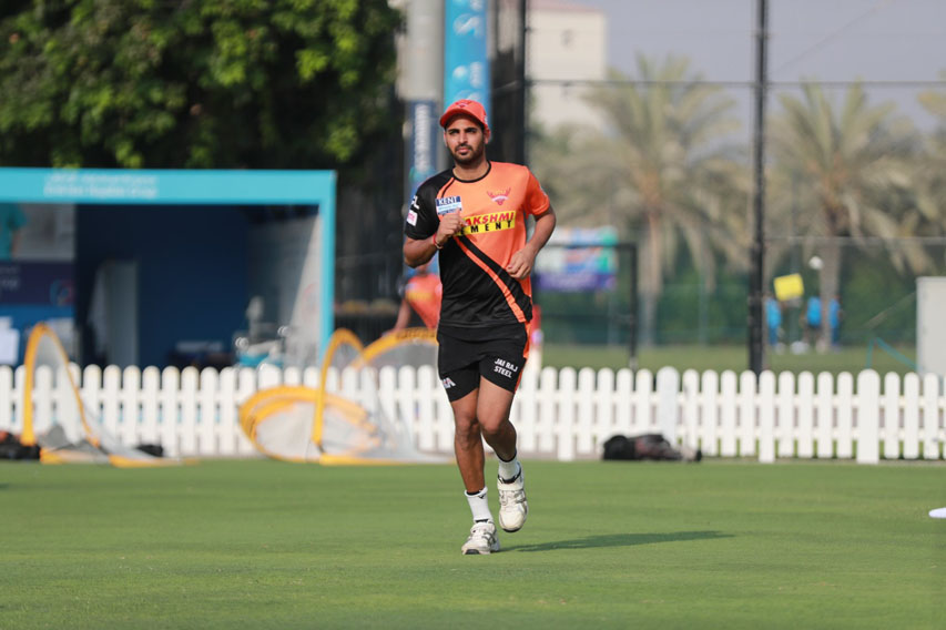 Indian Cricketer Bhuvneshwar Kumar IPL Practicing Pictures!
