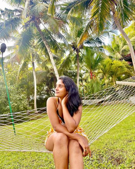 Actress Soumya Shetty Bikini Photos3