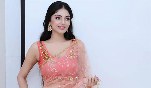 நடிகை சனம் ஷெட்டிக்கு ஆபாச மெசேஜ்