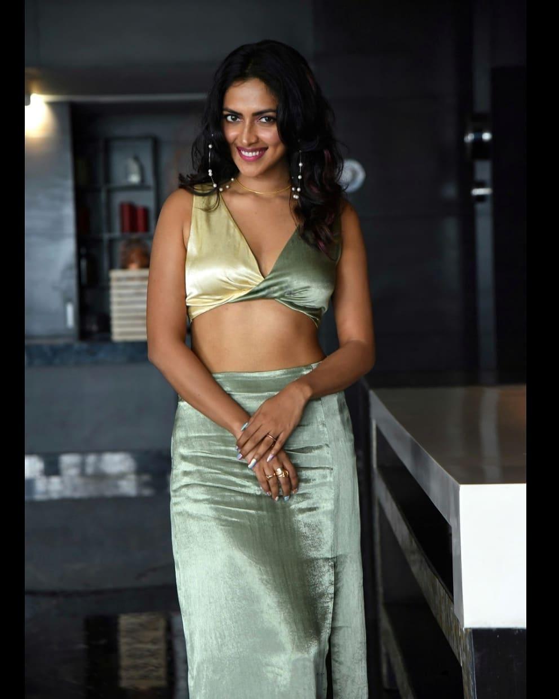 Actress Amala Paul latest hot Collection1