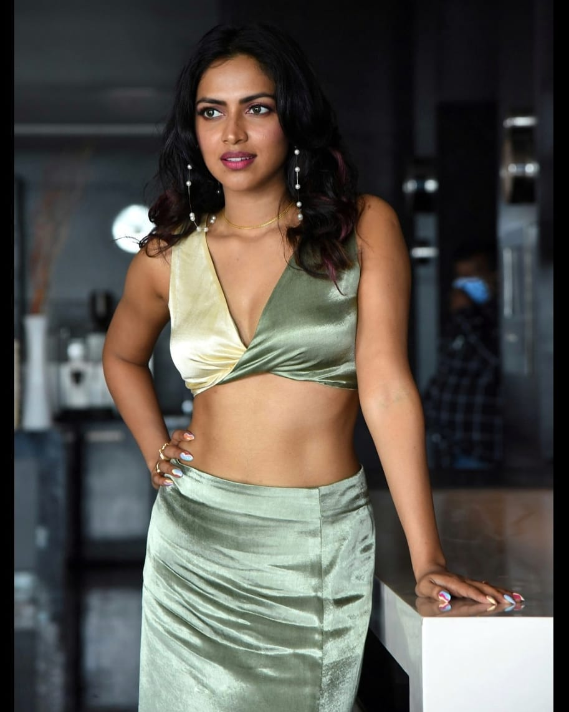 Actress Amala Paul latest hot Collection3