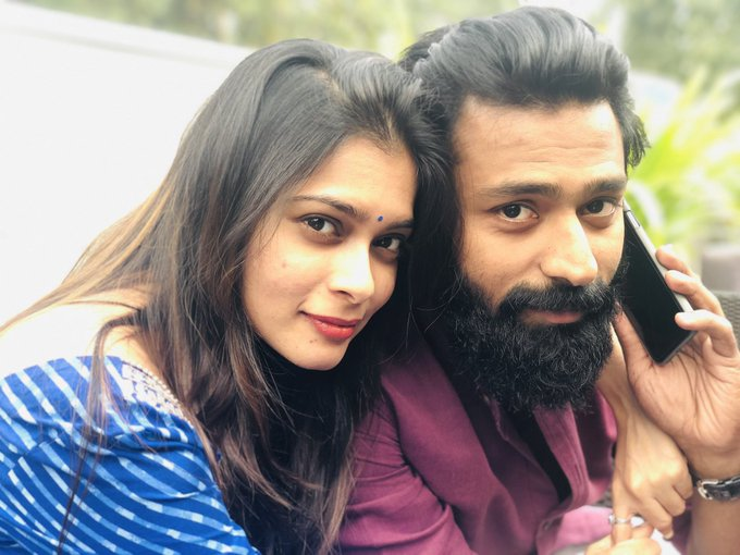 நடிகர் சாந்தனு அவரோட மனைவி புகைப்படம்